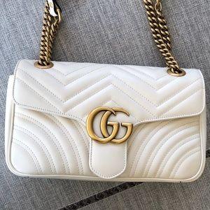 Gucci Bags - Small Gucci Mormont cream / white